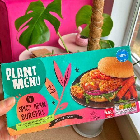 Plant Menu 4 Spicy Bean Burgers