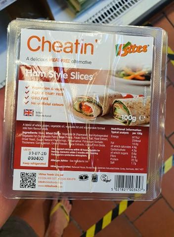 VBites Cheatin Ham Style Slices 100g