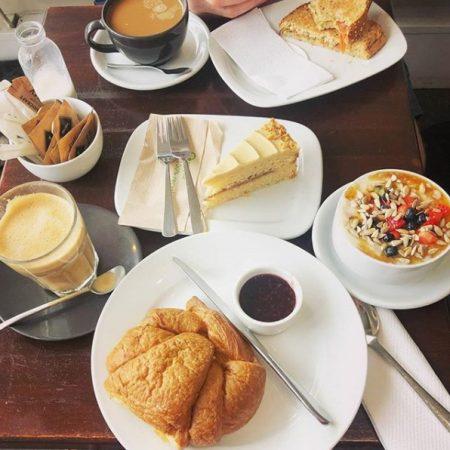 The V & V Cafe