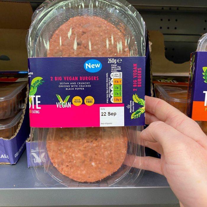 Morrisons 2 Big Vegan Burgers 260g