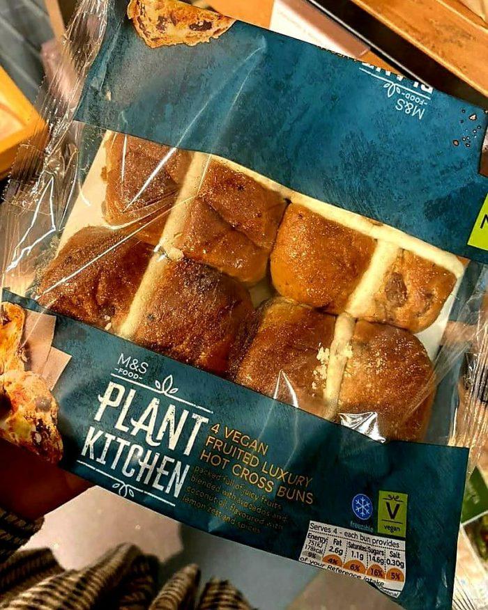 M&S Plant Kitchen 4 Luxury Hot Cross Buns